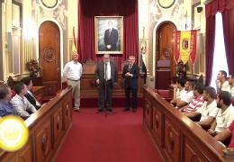 El alcalde recibe al CD Badajoz 1905