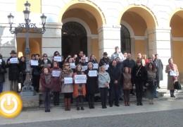 Un minuto de silencio contra la violencia de género
