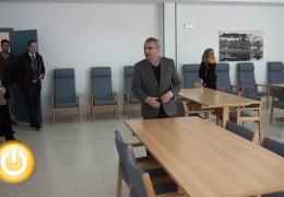 El alcalde visita el centro de día de Llera