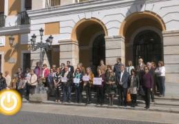 El Ayuntamiento de Badajoz guarda un nuevo minuto de silencio por la última víctima de violencia de género
