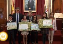 Entregados los premios del concurso 'Una sonrisa y por si ac@so un abrazo'