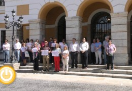 Minuto de silencio por el asesinato de una mujer en Ourense