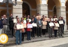 El Ayuntamiento guarda un minuto de silencio por una nueva muerte por violencia de género