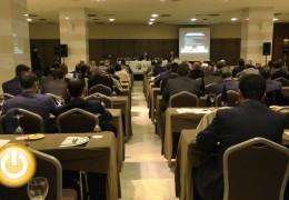 El Alcalde inaugura la  Asamblea anual de la Asociación Extremeña de Corredores de Seguros
