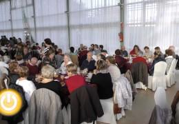 Los mayores reciben la Navidad con un desayuno