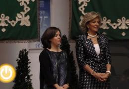 Sáenz de Santamaría entrega condecoraciones de las órdenes de Isabel la Católica y del Mérito Civil