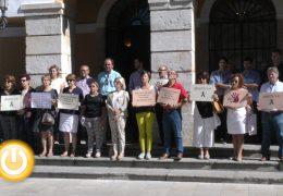 Minuto de silencio en memoria de las mujeres de Ibiza y Barcelona asesinas por sus exparejas