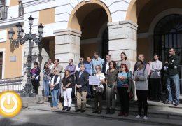 Badajoz condena los asesinatos machistas de Calpe y Chella