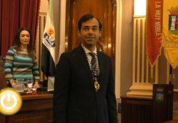 Manuel Fuentes toma posesión como concejal