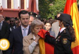 La Jefatura Superior de la Policía Nacional celebró ayer un izado y beso a la bandera
