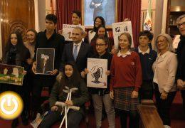 Premiadas las mejores redacciones y carteles contra la violencia de género