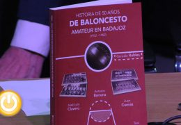 Presentado el libro 'Historia de 50 años de Baloncesto Amateur en Badajoz 1932-1982'