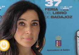 Cristina López Barrio llega a Badajoz con su novela 'Niebla en Tánger'