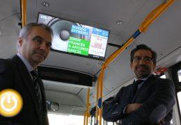 Los autobuses contarán con pantallas informativas, WIFI gratuito y enchufes USB