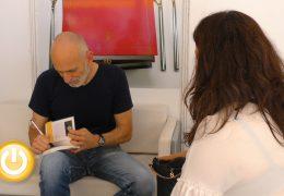 Alejandro Palomas llega a Badajoz acompañado de 'un secreto'
