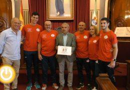 El alcalde recibe a representantes del Club de Judo Pacense Javier Linde