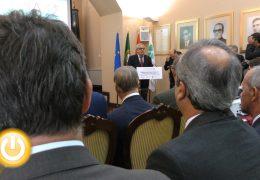 Fragoso asiste a la firma del contrato de ejecución de un nuevo tramo del Corredor del Sudoeste Ibérico