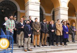 Badajoz guarda un minuto de silencio por las mujeres asesinadas en Toledo y Granada