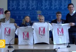 """Rueda de prensa alcalde- Camisetas """"Marzo con M de mujer"""""""