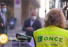 Los vendedores de la ONCE en Badajoz vuelven a sus puestos