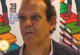 Fernando Rueda presenta en Badajoz su último libro 'Destrucción masiva'
