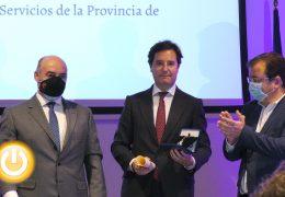 Adolfo Díaz-Ambrona, medalla de honor de la Cámara de Comercio de Badajoz