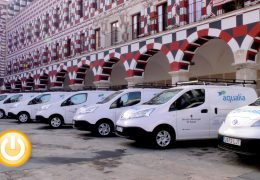 Aqualia presenta diez nuevos vehículos eléctricos que incorporará a su flota