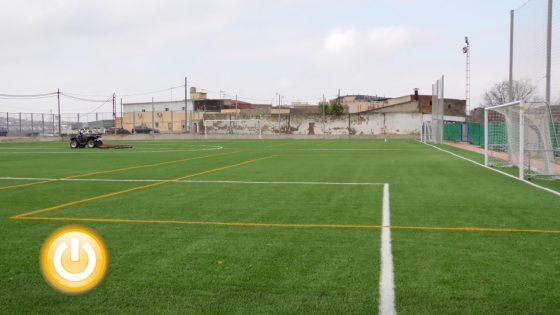 Cerro de Reyes estrena nuevo campo de fútbol tras las obras de remodelación