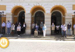 Nuevo minuto de silencio para condenar el asesinato ocurrido en Girona
