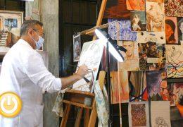 Artistas locales dan a conocer sus creaciones en el 'Pasaje de Arte'