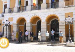 Badajoz guarda un minuto de silencio en memoria de la mujer asesinada en Salamanca