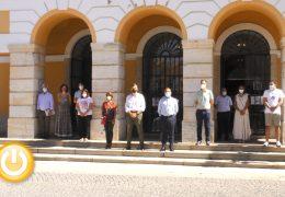 Minuto de silencio en memoria de la mujer asesinada en Sant Vicenç de Castellet